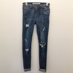 Zara Distressed Jegging!!